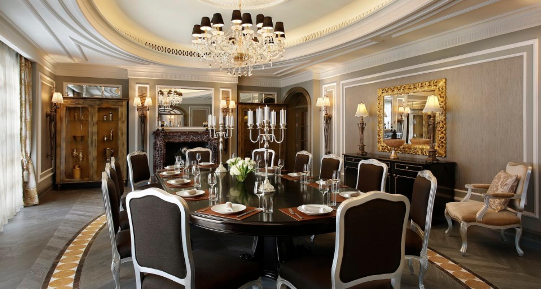 Dubai hotel Harris Jackson